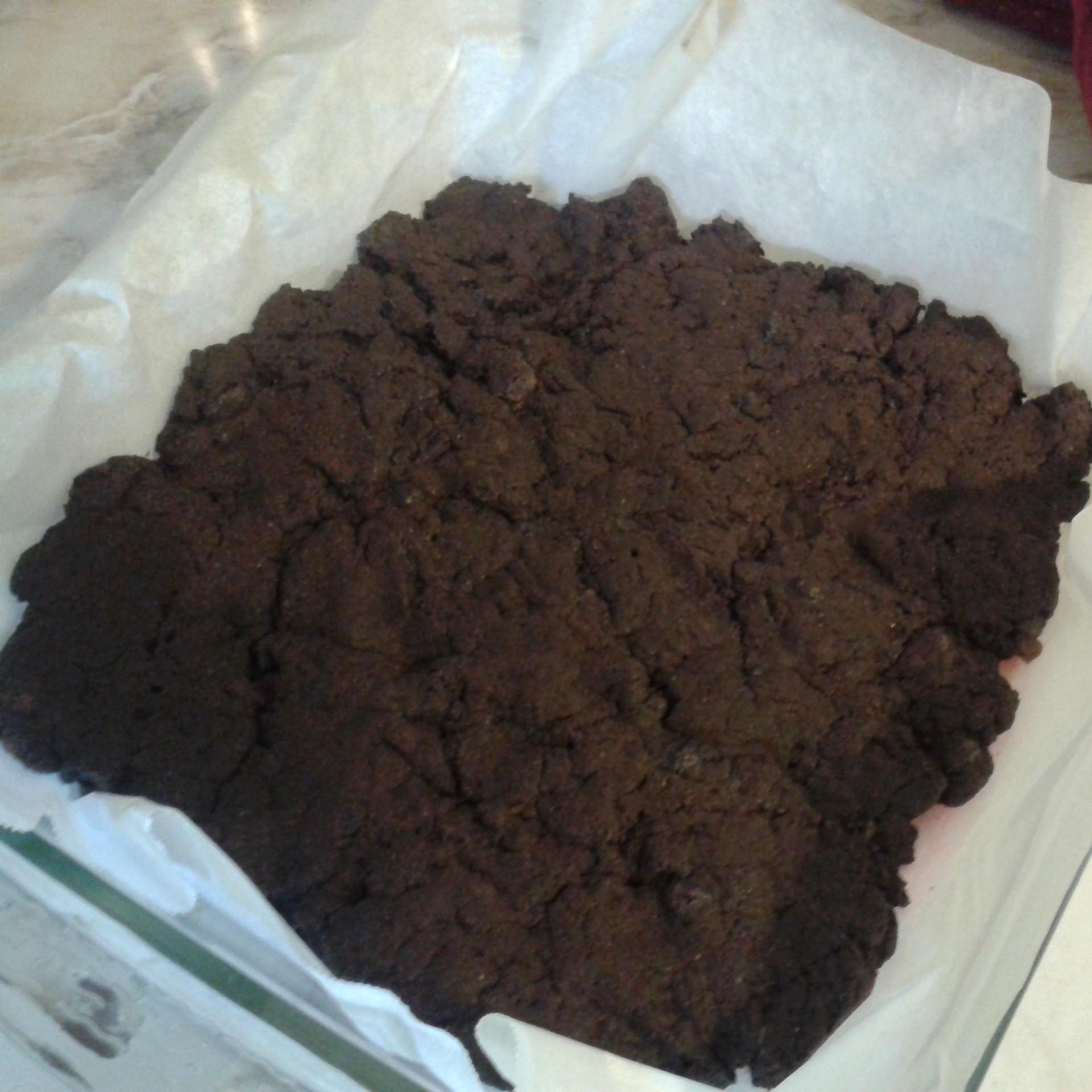 J'ai décidé de le faire comme ça plutôt que dans un moule à muffin. J'ai mis du papier ciré pour éviter que ça colle.