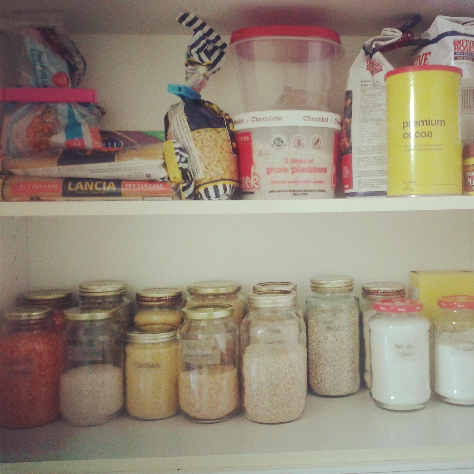 Je suis à la recherche de grands contenant en verre ou céramique pour mes farine et pour les pâtes.