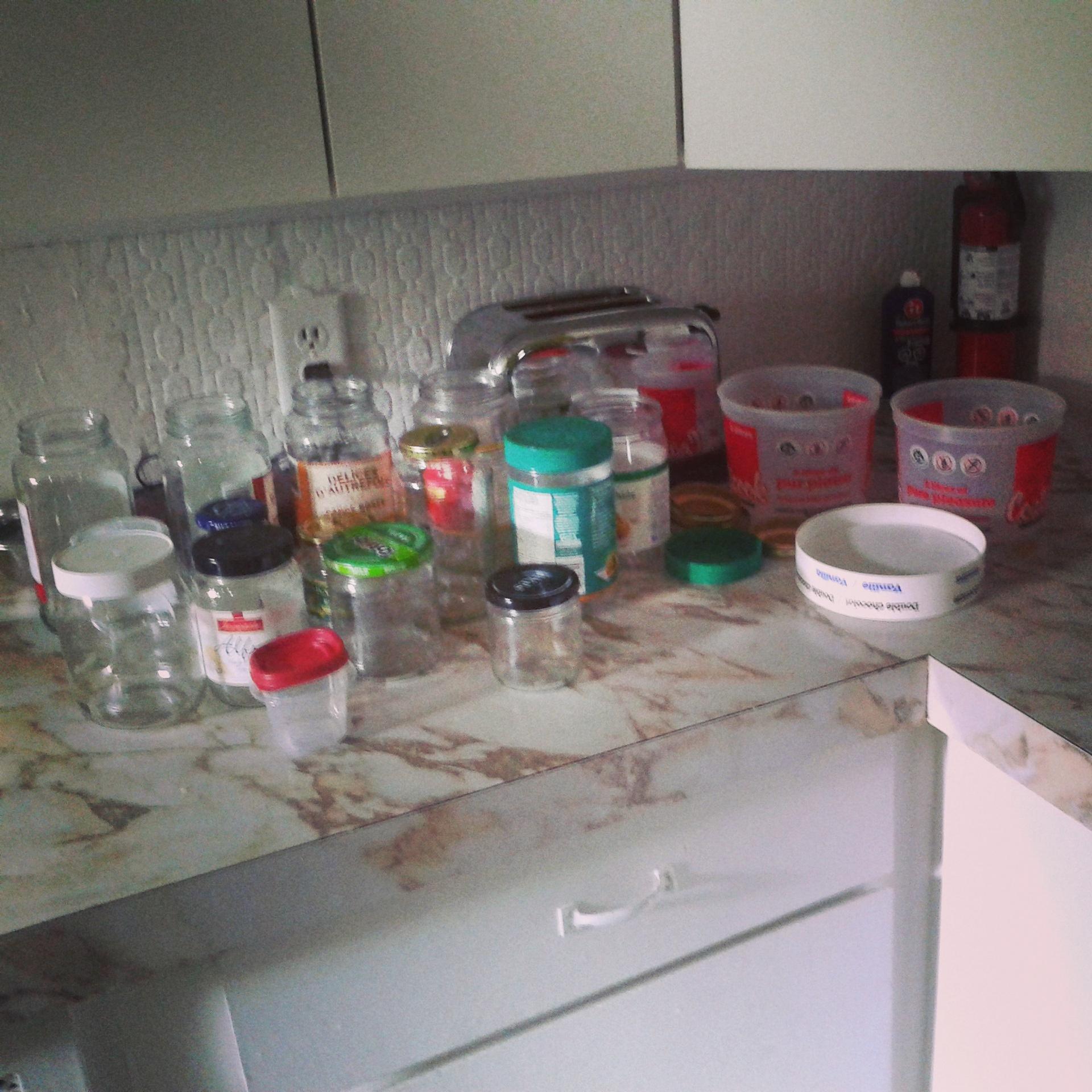 Tout ce que j'ai récupéré dans les bacs à recyclage de mes parents et de mon grand-frère!