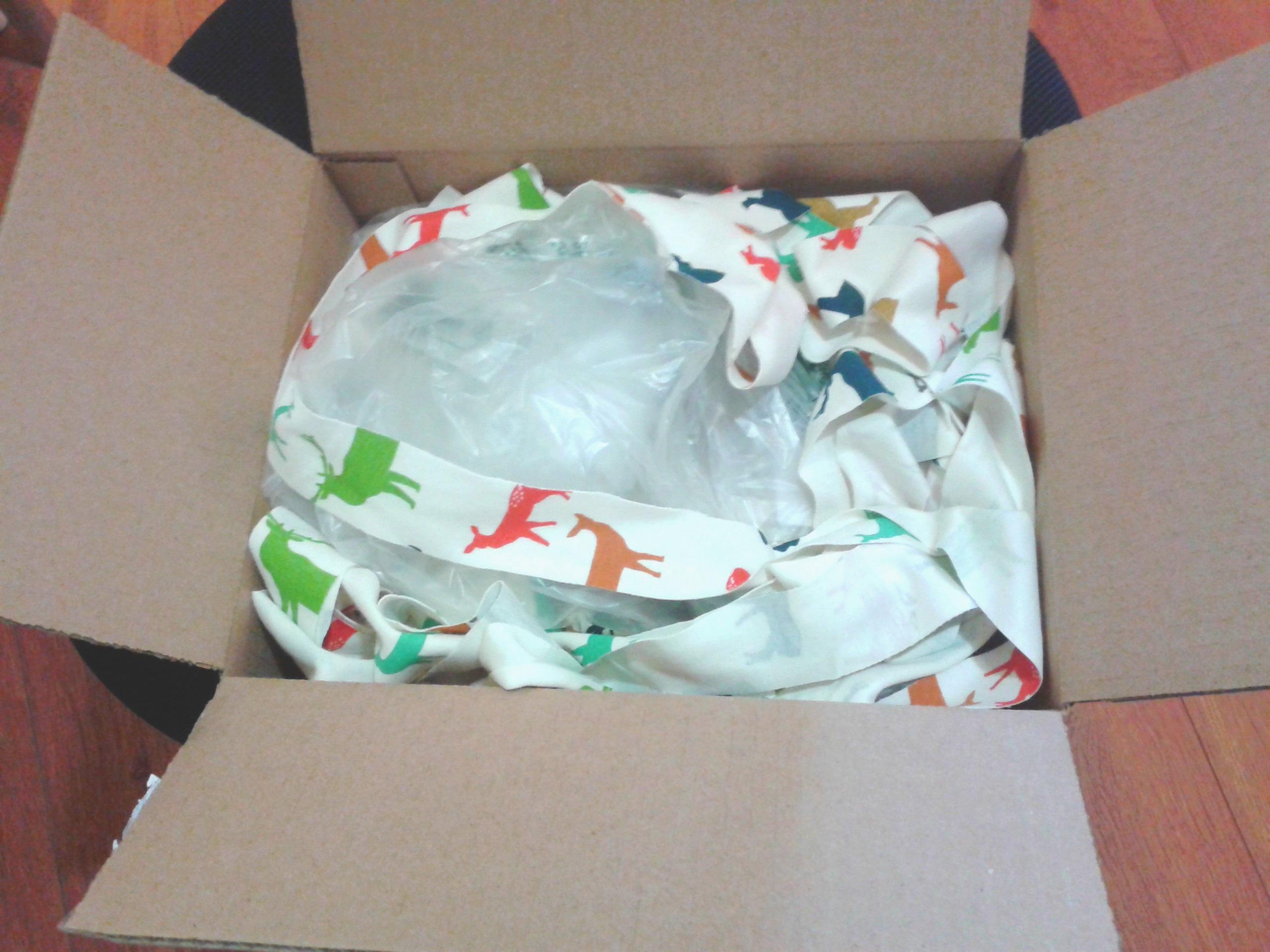Le rembourrage était des retailles de tissus, que j'ai gardé pour les réutiliser dans le temps des fêtes. :)