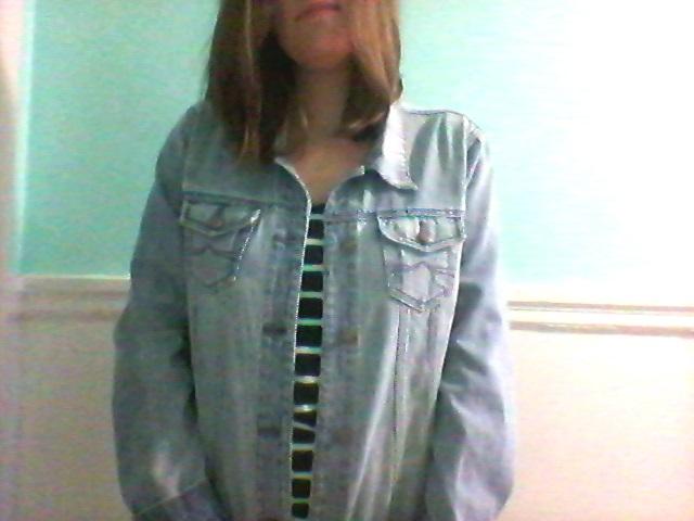Une veste en jeans (ça fait un bon moment que j'en cherchais une, alors j'étais vraiment contente!)