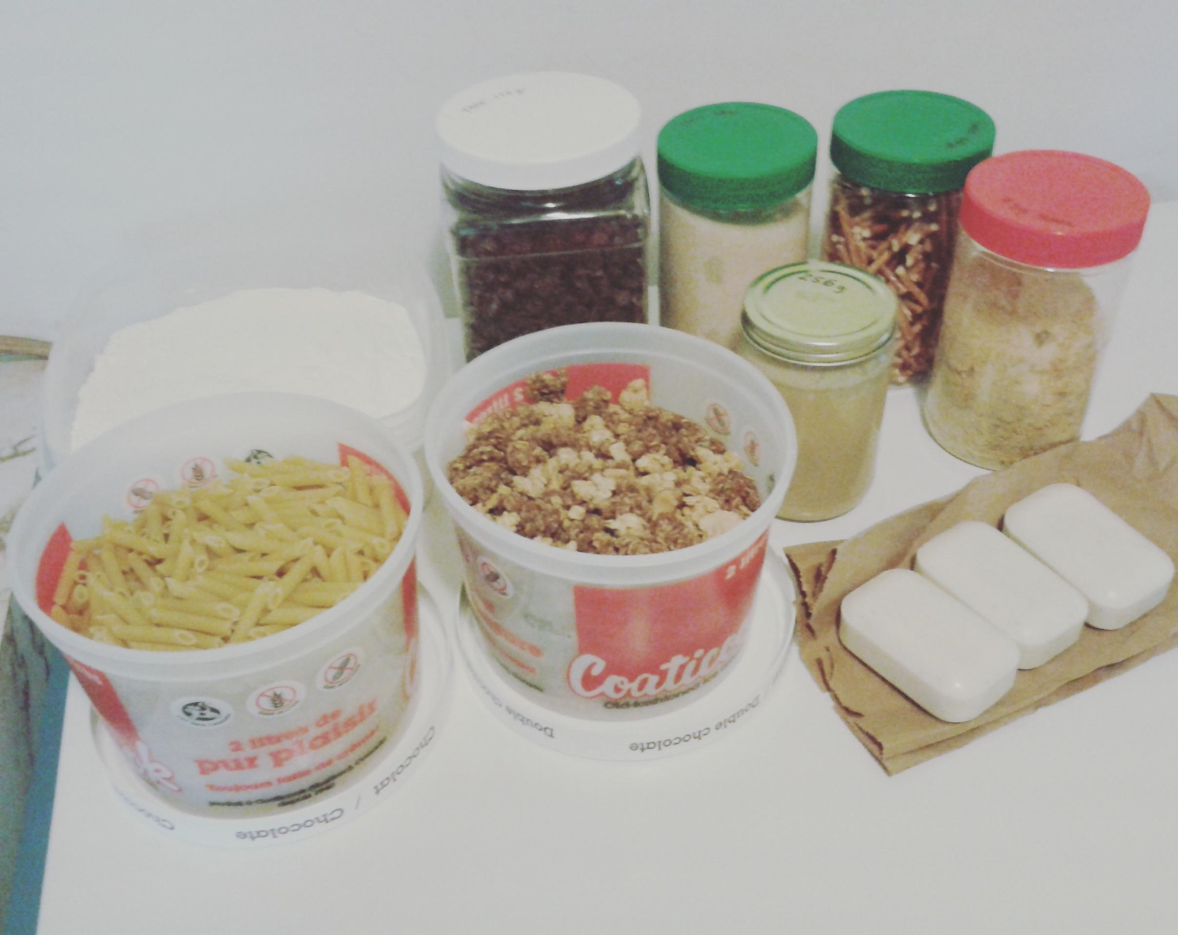 Farine blanche tout-usage, penne, céréales (type granola), pépites de chocolat pur, sucre de canne roux bio, tahini, bretzels, levure alimentaire et 3 savons de The Soap Works; le tout pour 56.78$ (après le 15% de rabais).